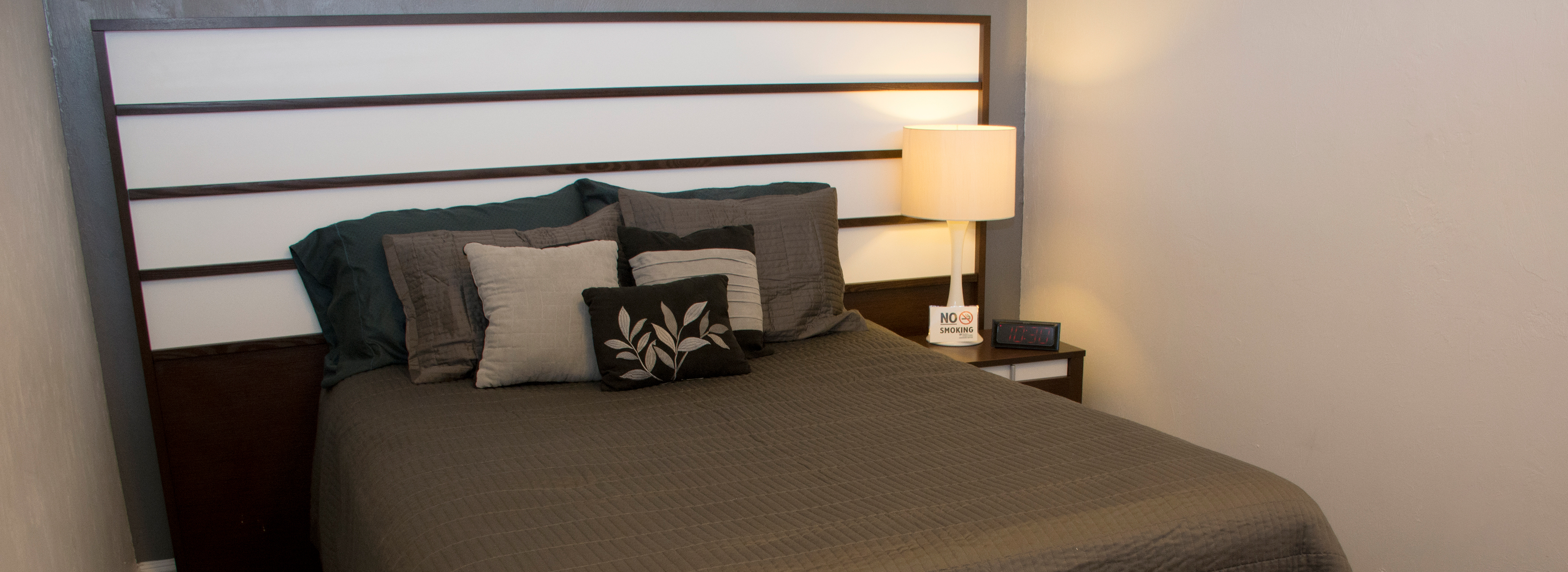 Beaty Guest Apartment bed